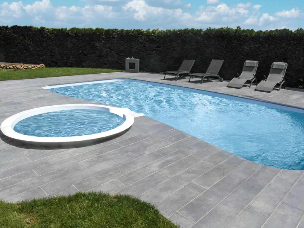 Dalle rectangle pierre reconstitu e wood roc de france for Piscine carrelage gris