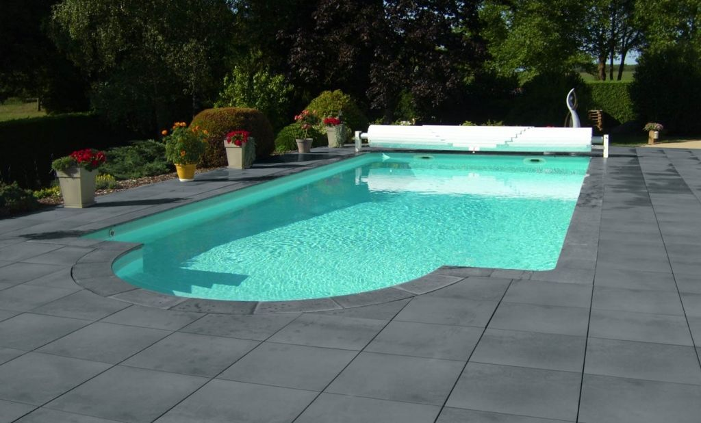 Margelle piscine angle rentrant vend e roc de france for Margelle piscine
